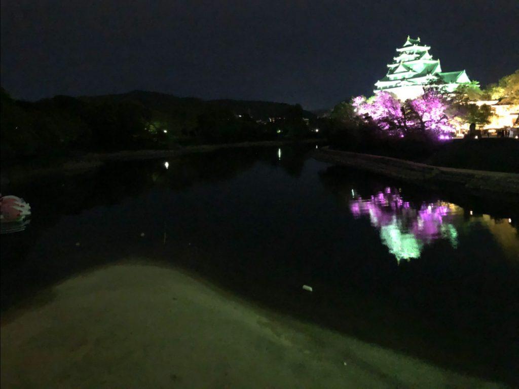 水に浮かぶ岡山城