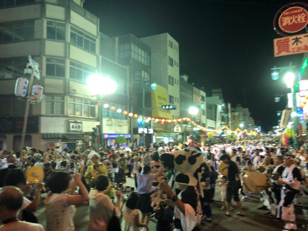 阿波踊りの風景